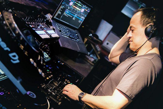 DJ Fong Kao Halo Hamburg