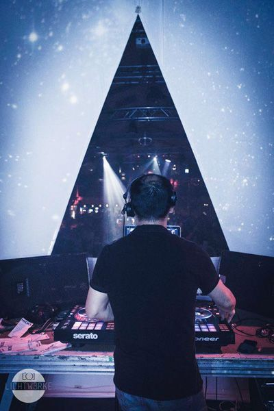 DJ Fong Kao im Vamos Lueneburg