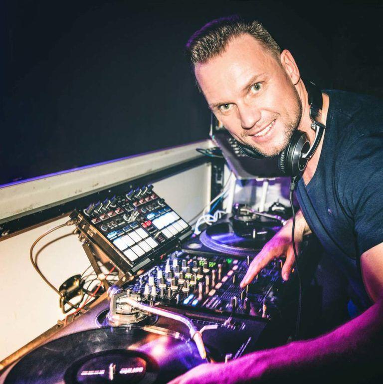 DJ Oliver Knist